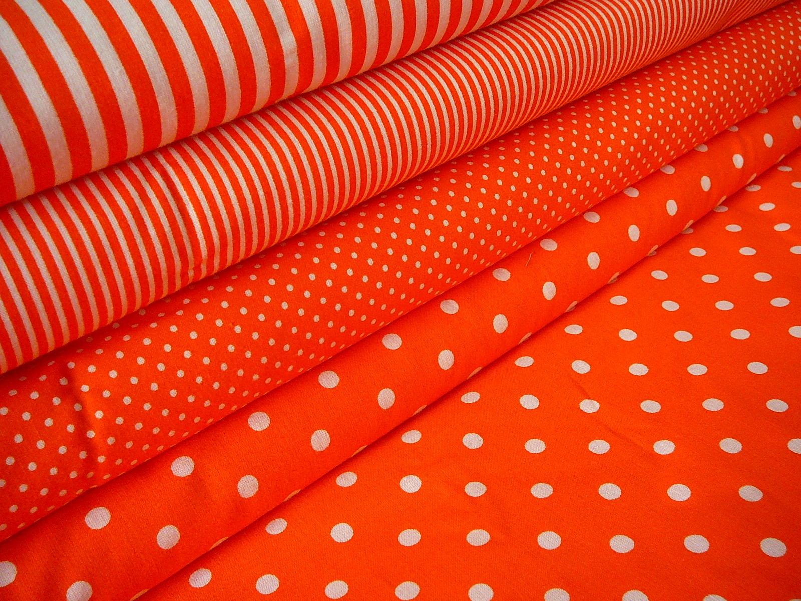 c4aa597b4b7e Patchwork - bavlněná látka - bílý puntík na oranžové - šíře 150cm