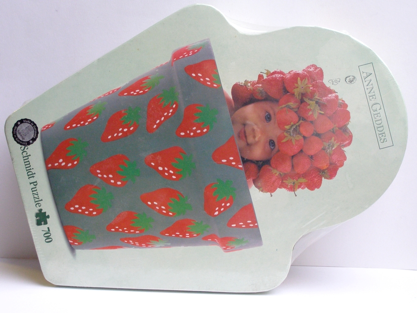 *SLEVA - puzzle - Anne Geddes - Strawberry pot